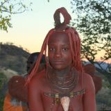 Himba Frau in traditioneller Tracht